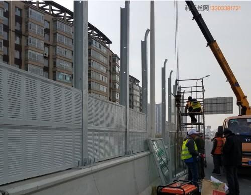 南阳立交桥隔音板-- 科亚南阳声屏障生产厂家