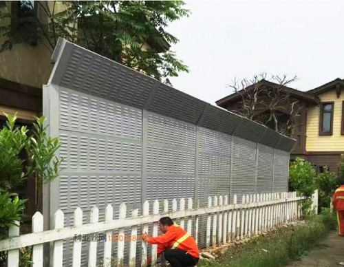 滨州折角隔音板-- 科亚滨州声屏障生产厂家