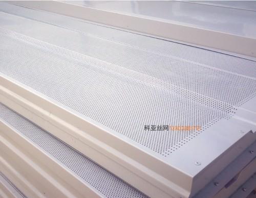 烟台冲孔降噪声屏障-- 科亚烟台声屏障生产厂家
