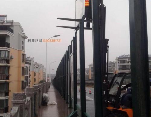 拉萨折角隔音冲孔板-- 科亚拉萨声屏障生产厂家
