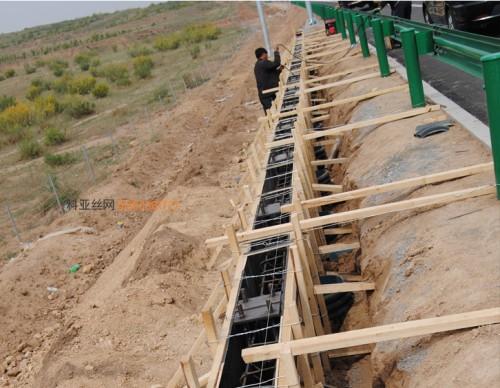 商洛桥梁吸音墙-- 科亚商洛声屏障生产厂家
