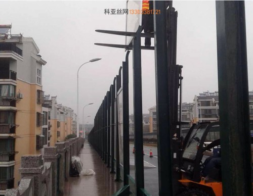通辽公路吸音墙-- 科亚通辽声萄京生产厂家