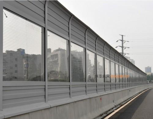 西宁公路隔音屏障-- 科亚西宁声屏障生产厂家